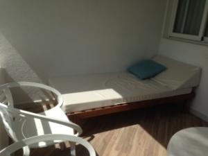 The balcony bed at the Fergus Cala Blanca